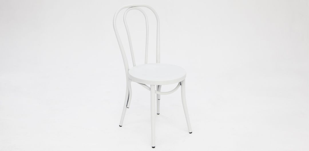 Bentwood chair matte white