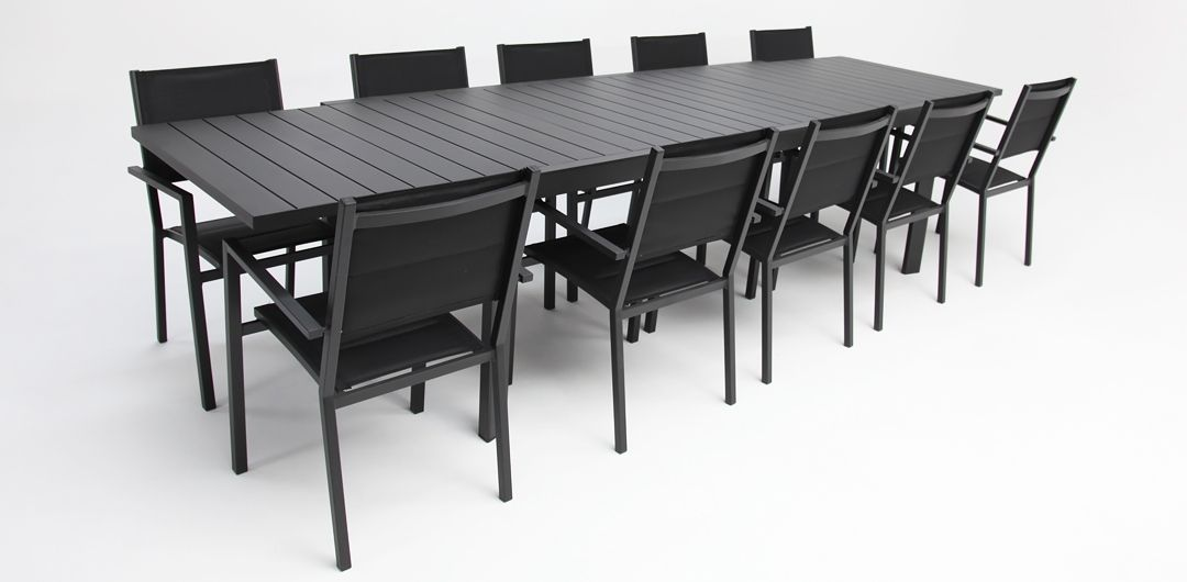 Madagascar 11 piece extendable aluminium dining setting black