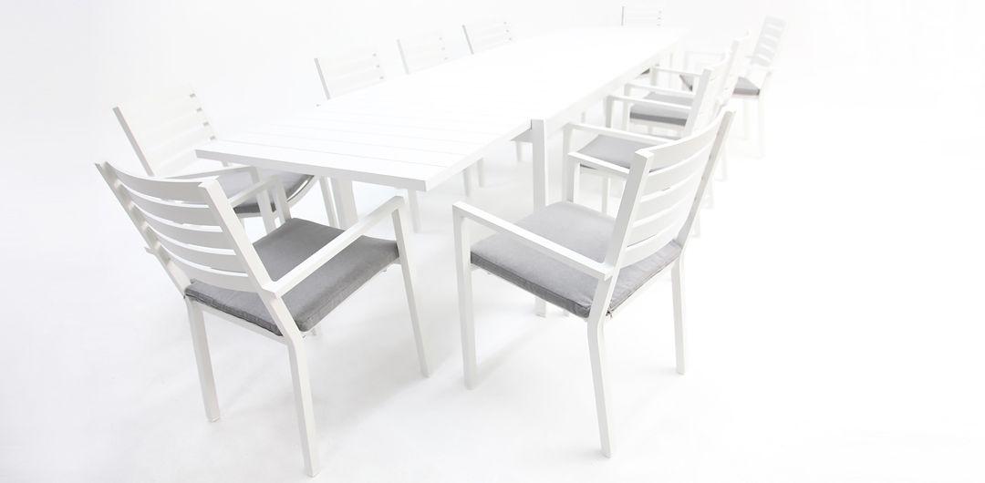 Mayfair 11 piece extendable aluminium dining setting white